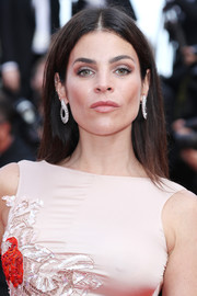 Julia Restoin-Roitfeld wore her hair straight and parted down the center when she attended the Cannes premiere of 'The Unknown Girl.'