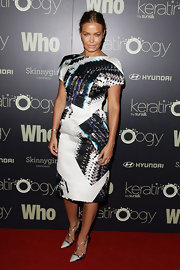 Lara Bingle wore a modern graphic print dress to the Sexiest People List party.