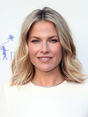 Ali Larter showed off beach-glam waves at the 2018 Norma Jean Gala.