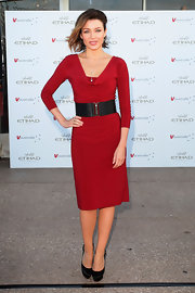 Dannii looked splendid in a slim-fitting red cocktail dress and a black belt at the Sydney Opera House.