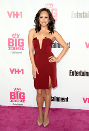 Cheryl Burke was svelte and chic in a strapless burgundy dress with a deep-V plunge at the VH1 Big in 2015 Awards.