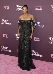 Gabrielle Union looked downright darling in an off-the-shoulder floral gown by Brock Collection at the 'Dear Mama: A Love Letter to Moms' screening.