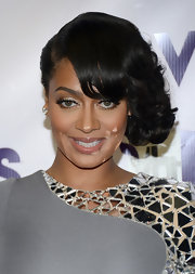 La La Anthony looked ultra glam at the 2012 VH1 Divas with her side-swept curls.