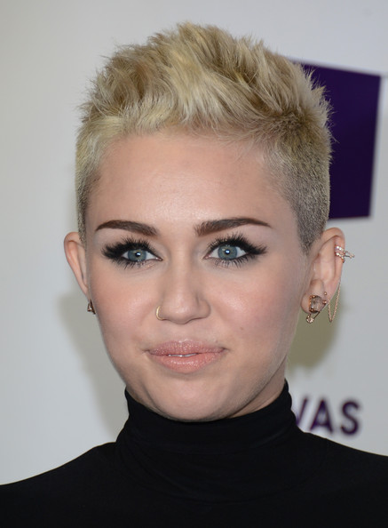 More Pics Of Miley Cyrus Nose Piercing 14 Of 29 Body Piercings