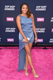 Alicia Quarles went for easy glamour in a periwinkle one-shoulder romper with an attached train during the VH1 Hip Hop Honors.