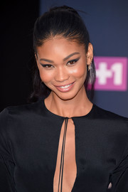 Chanel Iman sported a smudged cat eye for an exotic beauty look.