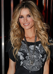 Supermodel Marisa Miller showed off her runway ready curls at the VH1 Pepsi Super Bowl fan jam.