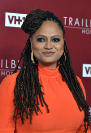 Ava DuVernay stuck to her signature dreadlocks when she attended the VH1 Trailblazer Honors.