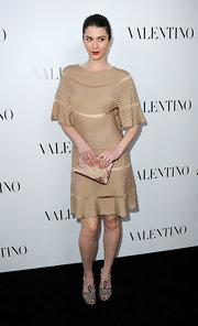 Mary Elizabeth Winstead looked chic at the Valentino store opening on Rodeo Drive in this nude ribbed dress.