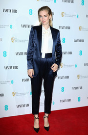 Vanessa Kirby finished off her look with black cross-strap pumps.