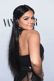 Ariel Winter was hippie-chic with her center-parted, half-up hairstyle at the Toast to Young Hollywood event.