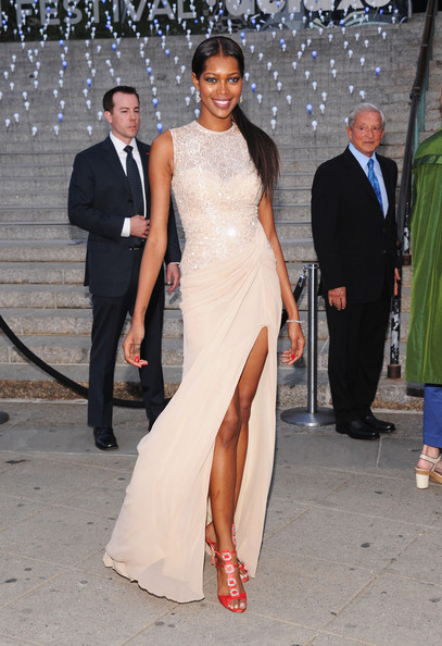 More Pics of Jessica White Evening Dress (3 of 8) - Jessica White Lookbook - StyleBistro