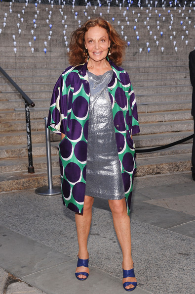More Pics of Diane von Furstenberg Evening Coat (1 of 4) - Diane von Furstenberg Lookbook - StyleBistro