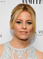 Elizabeth Banks attended the Vanity Fair and Stuart Weitzman luncheon wearing her hair in a '60s-inspired updo.