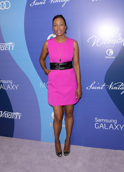 Aisha Tyler finished off her look in elegant style with a pair of black and nude lace pumps.