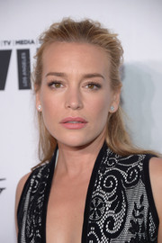 Piper Perabo sported a mildly messy half-up style at the Variety and Women in Film pre-Emmy celebration.