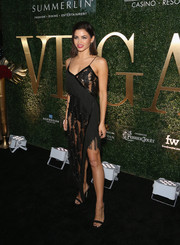Jenna Dewan-Tatum teamed her sizzling-hot dress with black slingbacks by Giuseppe Zanotti.