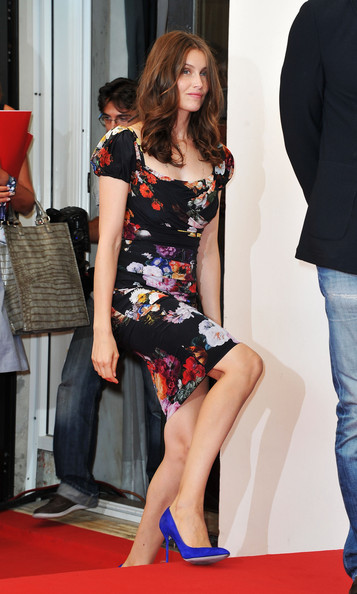 More Pics of Laetitia Casta Long Wavy Cut (5 of 12) - Laetitia Casta Lookbook - StyleBistro