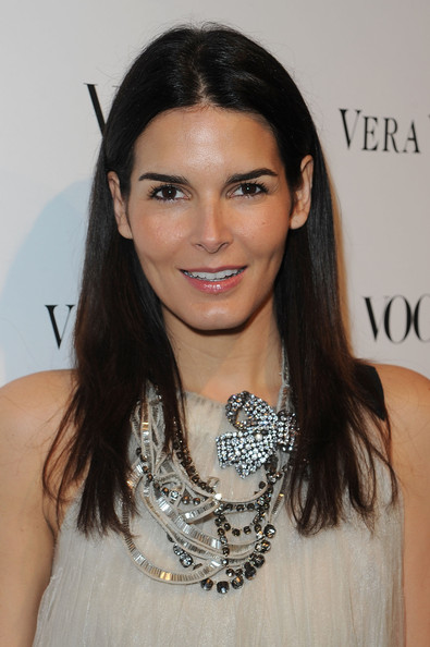 More Pics of Angie Harmon Engagement Ring (2 of 12) - Engagement Ring Lookbook - StyleBistro