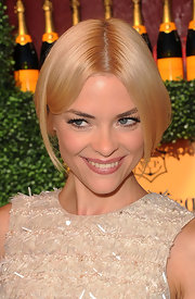 Jaime King wore her hair in an adorable faux bob at the Veuve Clicquot Polo Classic. Her sweet style was perfect for the daytime event.