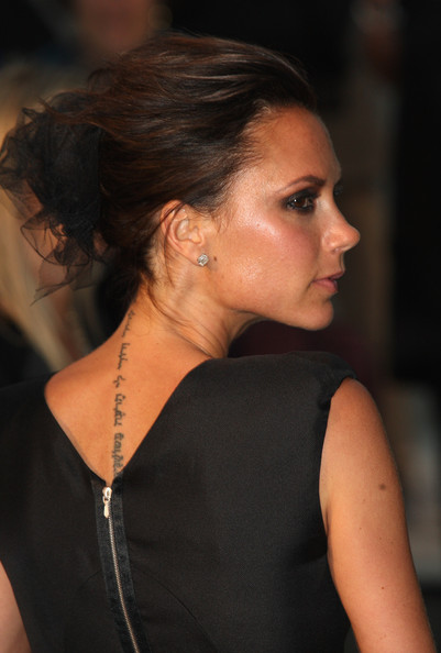 Victoria Beckham arrives at the Burberry Prorsum Spring Summer 2010 Show at