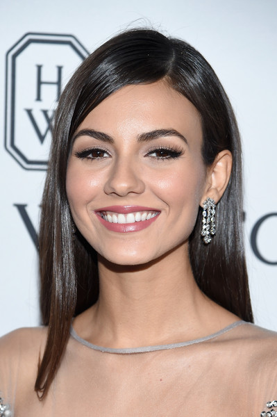 Victoria Justice Diamond Chandelier Earrings [hair,face,eyebrow,hairstyle,lip,shoulder,skin,chin,eyelash,beauty,arrivals,victoria justice,skylight,new york,moynihan station,amfar inspiration gala]