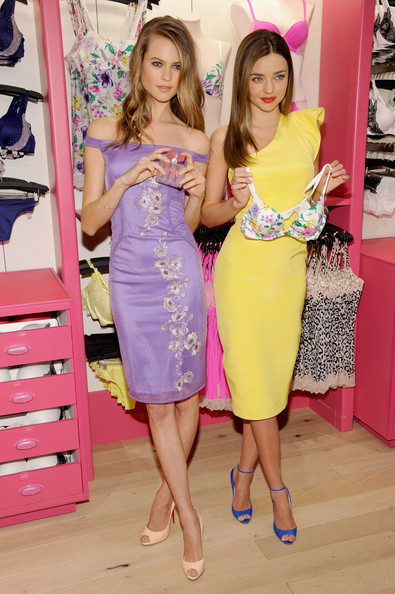 http://www2.pictures.stylebistro.com/gi/Victoria+Secret+Angels+Launch+Fabulous+Collection+_khwyDMOzE-l.jpg