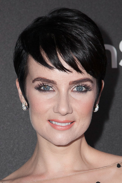 Victoria Summer Pixie [face,hair,eyebrow,hairstyle,chin,lip,forehead,bangs,head,beauty,victoria summer,fig,olive melrose place,west hollywood,california,hollywood foreign press association,instyle celebrates,season,golden globe awards]