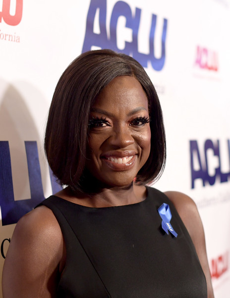 Viola Davis Bob [hair,face,hairstyle,shoulder,black hair,electric blue,long hair,lace wig,premiere,smile,red carpet,viola davis,aclu socal hosts annual bill of rights,honoree,beverly hills,california,beverly wilshire four seasons hotel,aclu socal hosts annual bill of rights dinner]