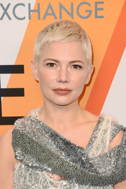Michelle Williams always looks so cute with her signature pixie!