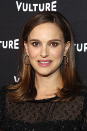 Natalie Portman looked cute with her flippy hairstyle at the Vulture awards season party.