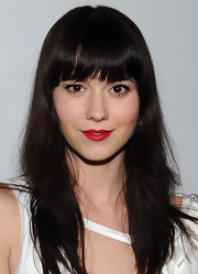 Mary Elizabeth Winstead wore a flaming red shade of lipstick at 'W' Magazine's Golden Globes Celebration.