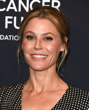 Julie Bowen kept it relaxed with this loose ponytail during WCRF's An Unforgettable Evening.