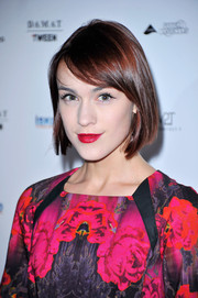 Ella Catliff wore her hair in a side-parted bob at the WGSN Global Fashion Awards.