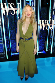 Kate Hudson took a sexy plunge with this deep-V green maxi dress by Roksanda at the WSJ.D LIVE After Dark event.