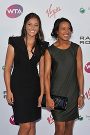 Anne Keothavong kept it low-key in a dark gray shift.