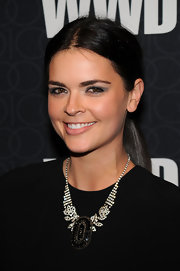 Katie Lee added a little sparkle to her look with an amazing diamond necklace. What a great way to add interest to her simple black dress.