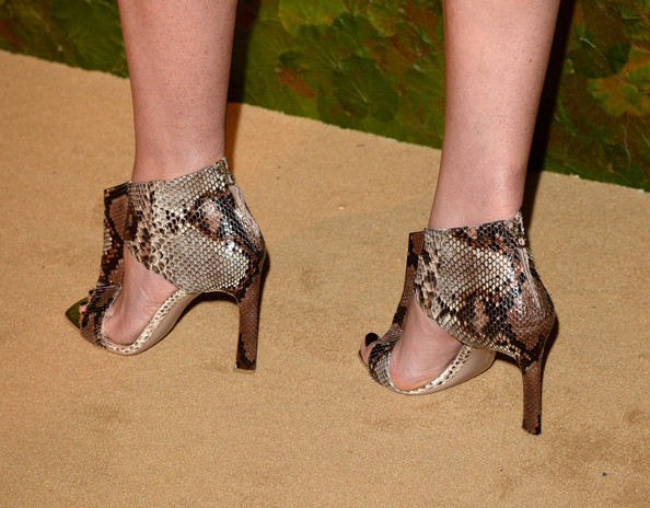 Anne V showed off her fierce style with these ultra-chic snakeskin T-strap sandals at the Wallis Annenberg Center Inaugural Gala.