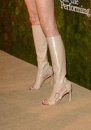 A pair of nude open-toe knee-high boots by Ferragamo finished off Angela Lindvall's look in fierce style during the Wallis Annenberg Center Inaugural Gala.