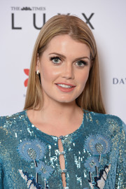 Kitty Spencer wore a simple yet elegant straight 'do at the 2017 Walpole British Luxury Awards.