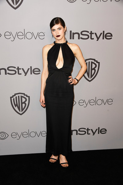 Alexandra Daddario looked seductive in a black keyhole-cutout gown at the Warner Bros. and InStyle Golden Globes after-party.