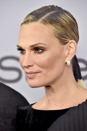 Molly Sims sported a super-sleek ponytail at the Warner Bros. and InStyle Golden Globes after-party.