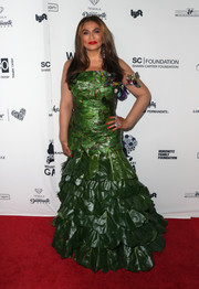Tina Knowles was jungle-glam at the Wearable Art Gala in a leaf-themed mermaid gown that she designed withTimothy White.