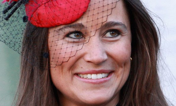 More Pics of Pippa Middleton Gold Dangle Earrings (2 of 12) - Pippa Middleton Lookbook - StyleBistro