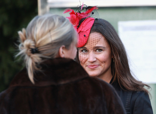 More Pics of Pippa Middleton Gold Dangle Earrings (1 of 12) - Pippa Middleton Lookbook - StyleBistro