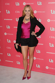 Andrea Bowen sizzled in pointy metallic pink pumps at the 'Us Weekly' Hot Hollywood party.