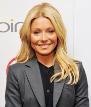 Kelly Ripa attended a screening of 'Bully' wearing her hair in soft slightly wavy layers.