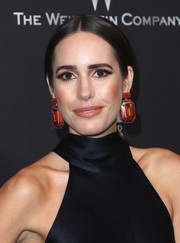 Louise Roe pulled her hair back into a center-parted ponytail for the Weinstein Company Golden Globes party.