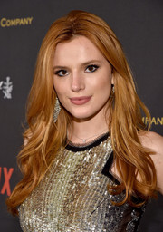 Bella Thorne went to the Weinstein Company and Netflix Golden Globe party wearing her hair in boho-glam waves.