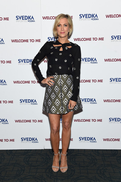 Kristen Wiig did mismatched chic with this Jill Stuart floral cutout blouse and Markus Lupfer diamond-patterned skirt combo.